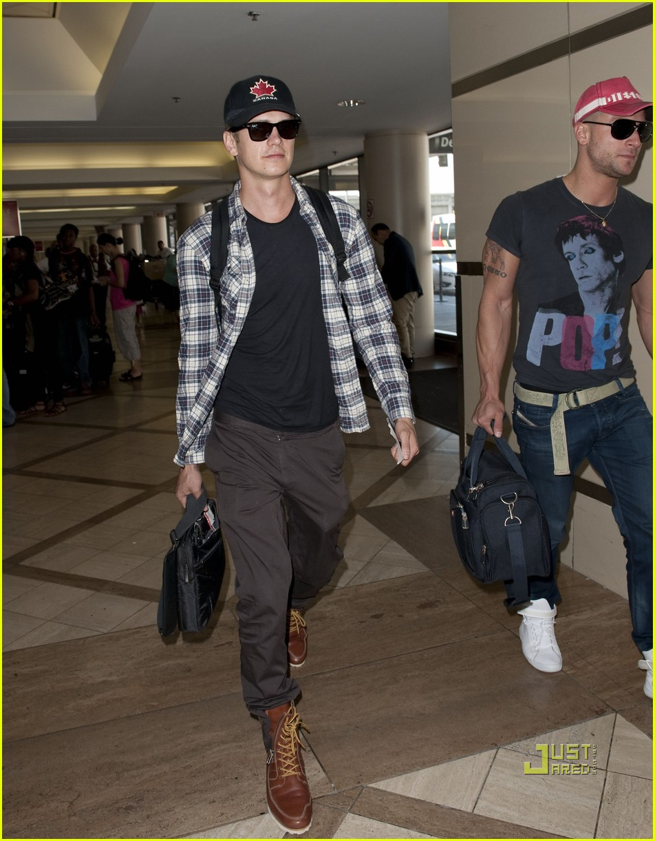 hayden christensen canadian at lax 03