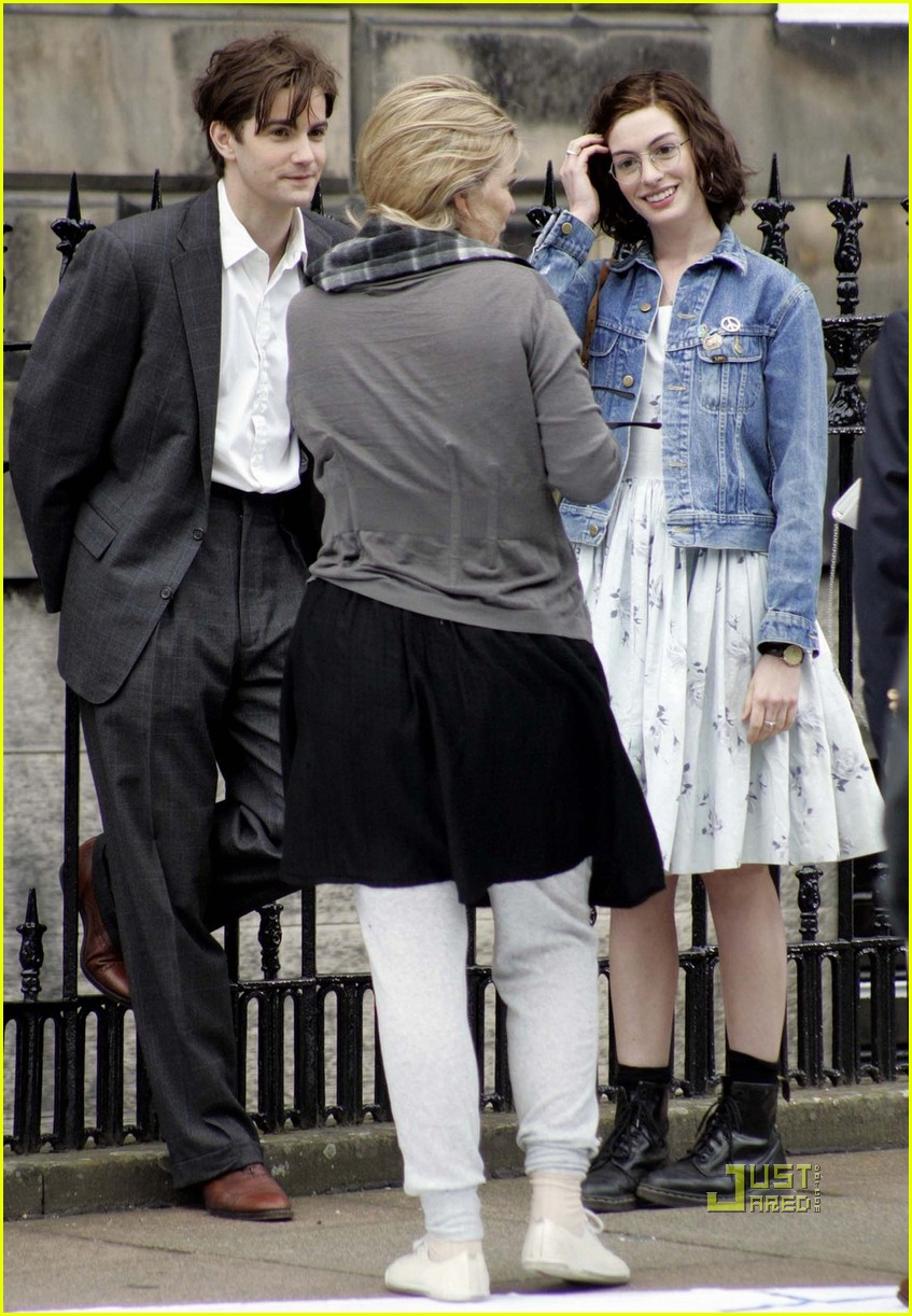 anne hathaway jim sturgess one day 06