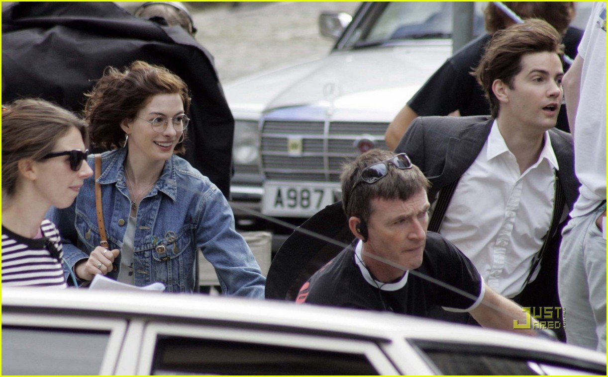 anne hathaway jim sturgess one day 07