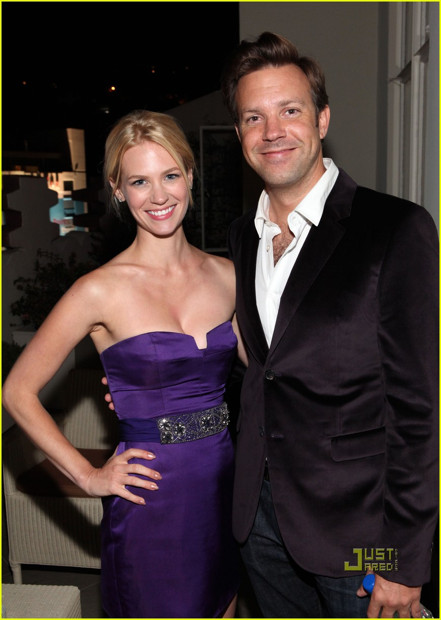 january jones jason sudeikis emmys 032476038