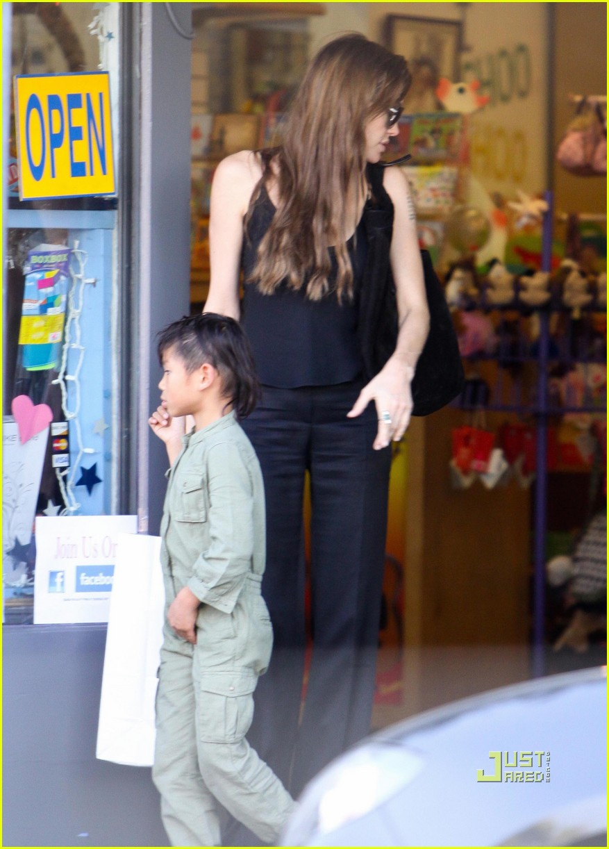 angelina jolie rockridge kids toy store 13