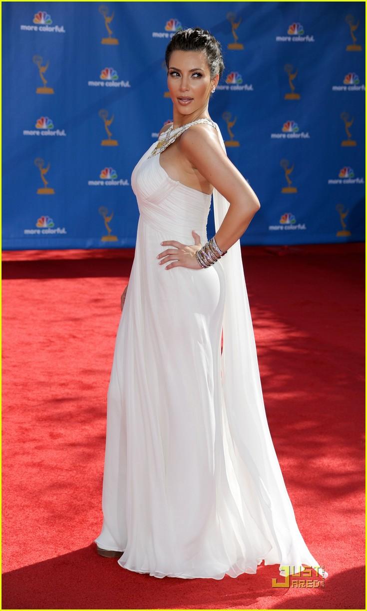 Kim Kardashian Emmys 2010 Red Carpet Photo 2476308