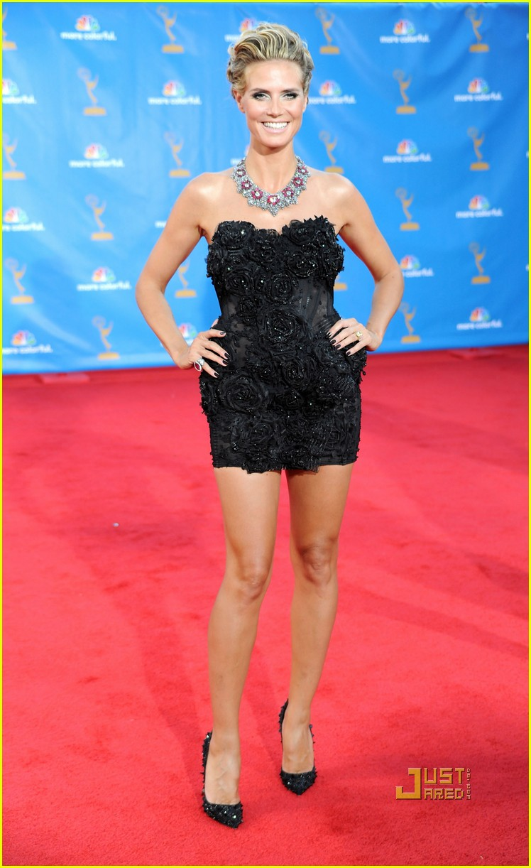 heidi klum seal emmys 2010 red carpet 10