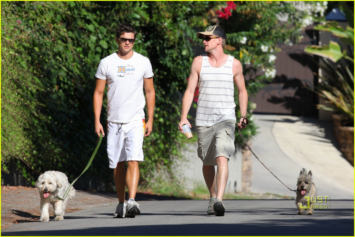 neil patrick harris david burtka dogwalking 11
