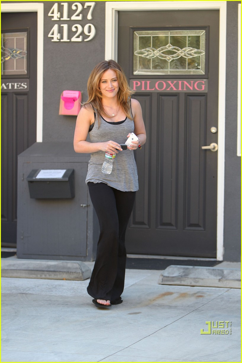 hilary duff pilates pretty 03