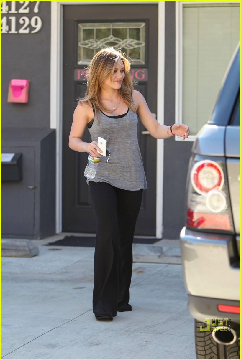 hilary duff pilates pretty 04