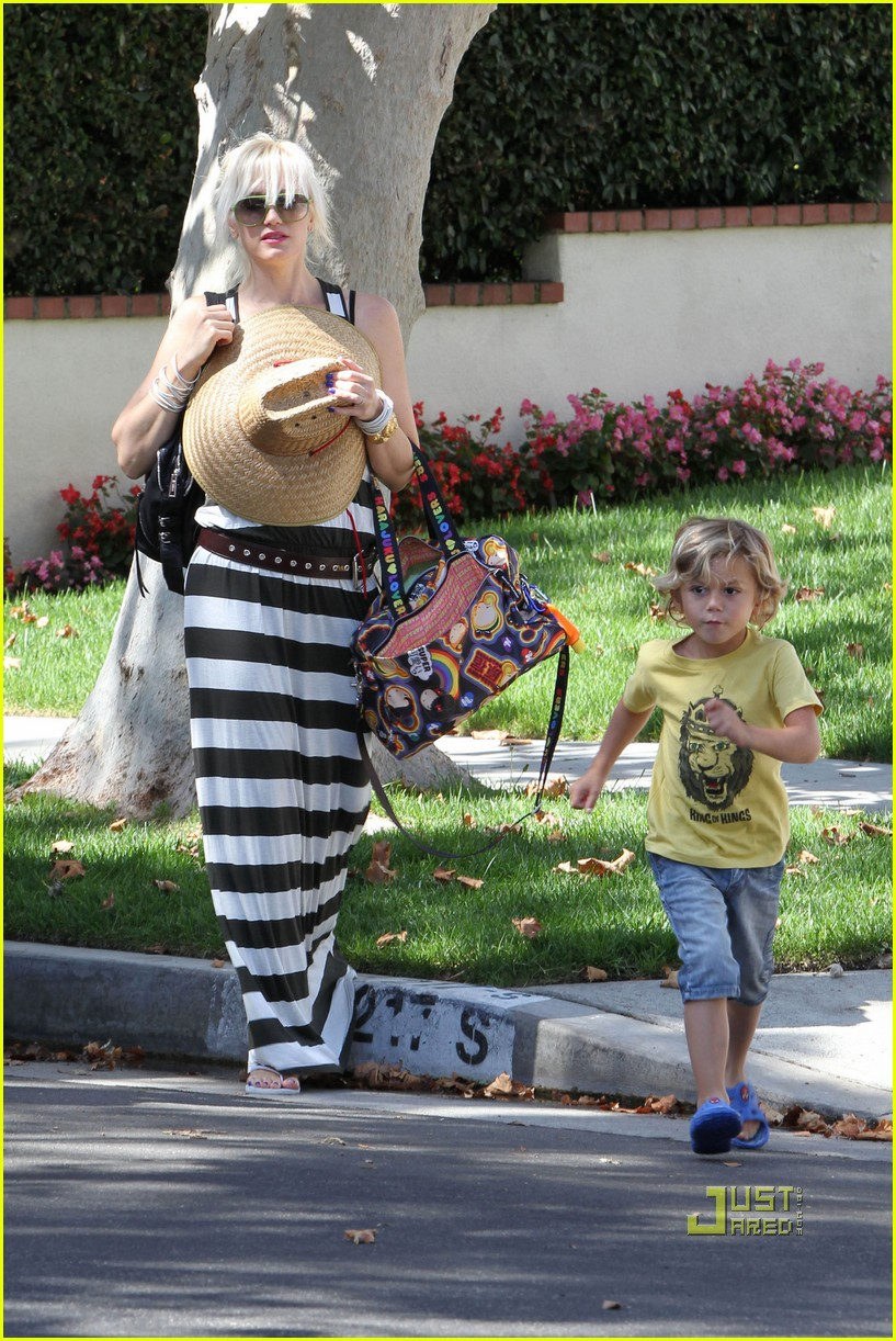 gwen stefani kingston zuma grandmas house 15
