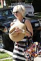 gwen stefani kingston zuma grandmas house 12