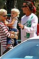 gwen stefani swinging with zuma 05