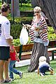 gwen stefani swinging with zuma 09