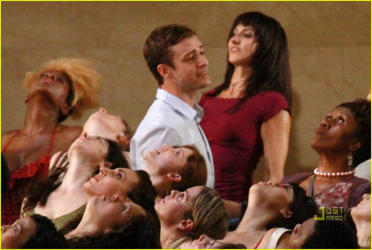Full Sized Photo of justin timberlake mila kunis kissing ... Justin Timberlake