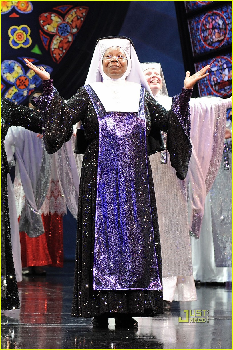 whoopi goldberg sister act west end 01