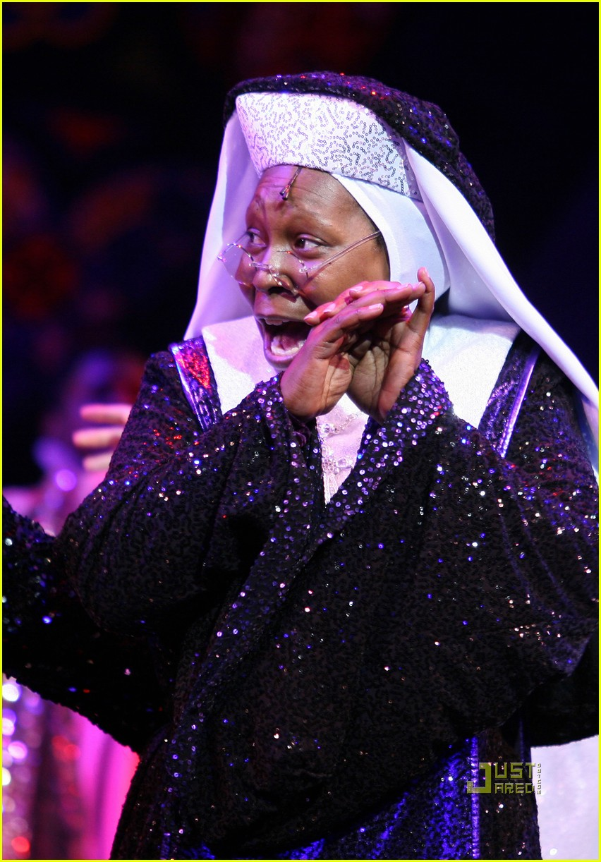 whoopi goldberg sister act west end 05