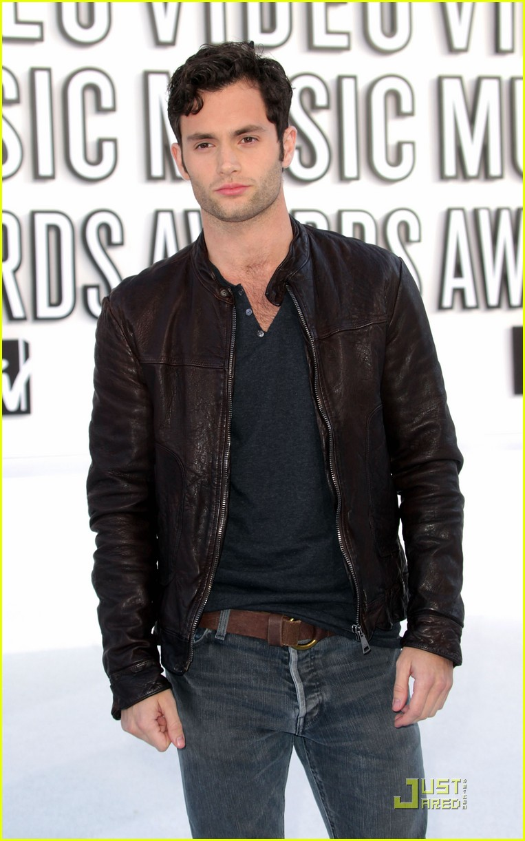 penn badgley mtv vmas 2010 032479572