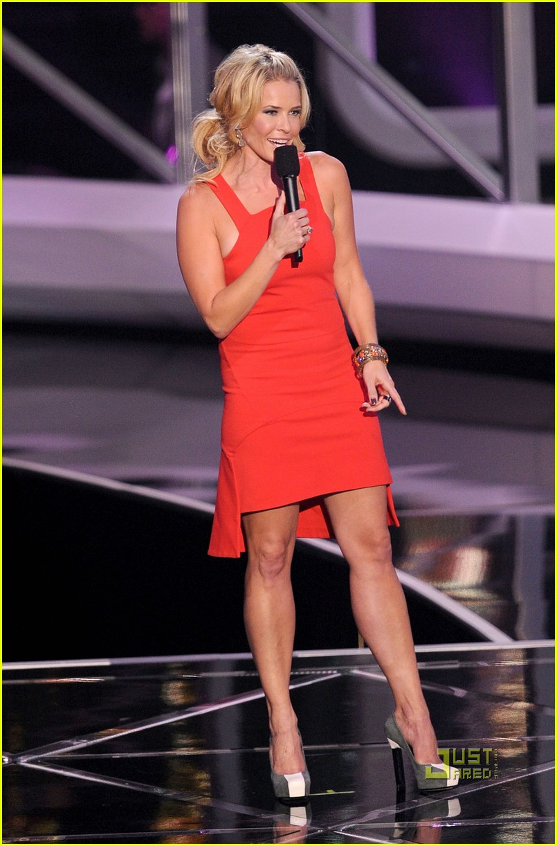 chelsea handler hosting reviews 03