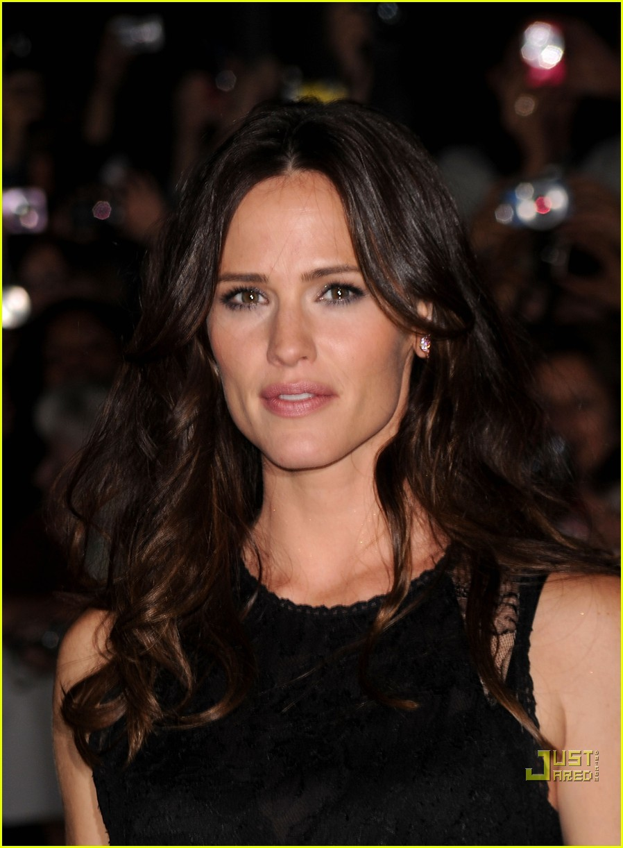 jennifer garner the town premiere 12