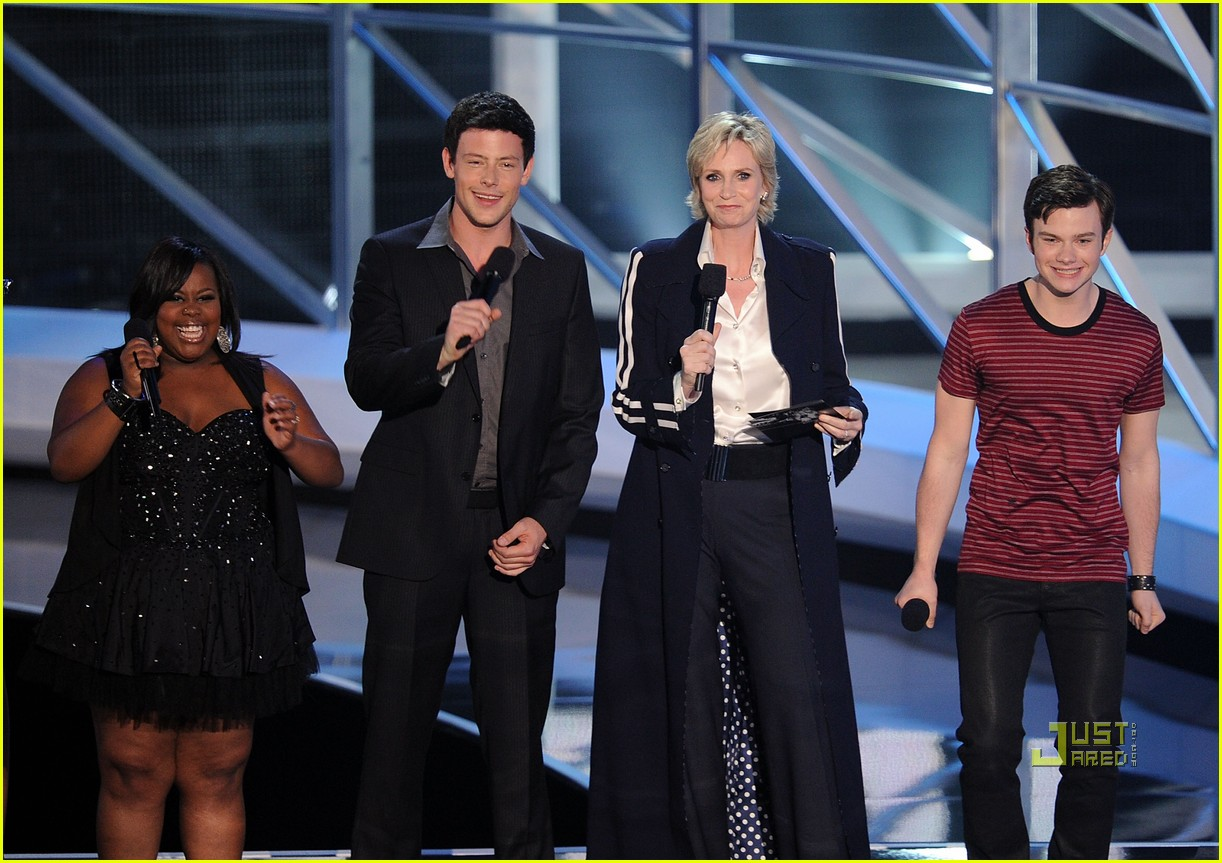 glee cast mtv vmas 2010 08