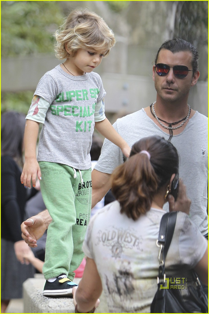 gwen stefani gavin rossdale kingston zuma park new york city 022481420