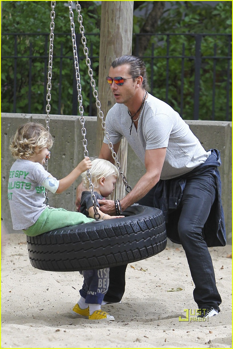 gwen stefani gavin rossdale kingston zuma park new york city 07