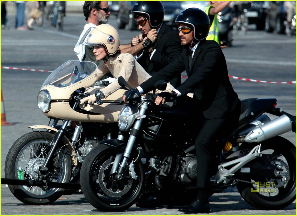 keira knightley motorcycle chanel motorcycle 08