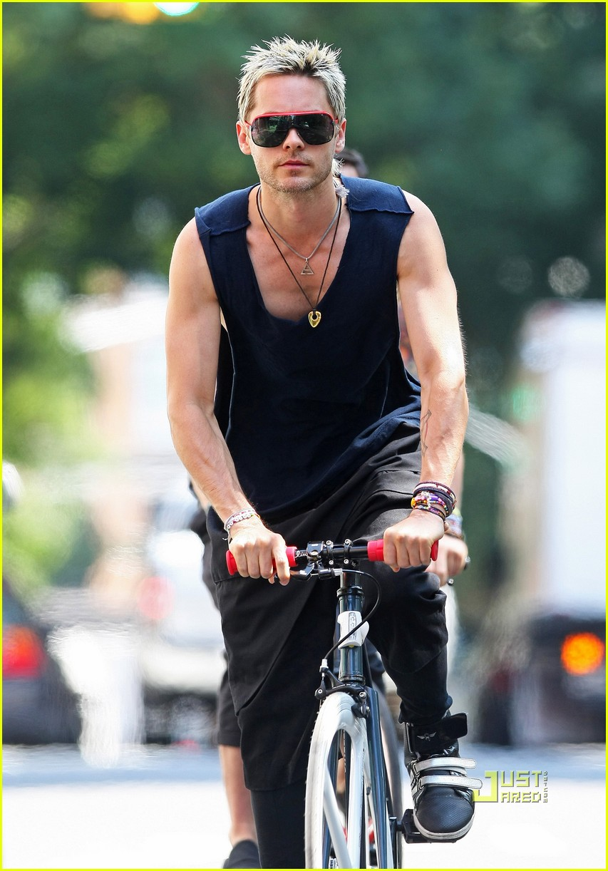 jared leto bicycle boy in soho 01