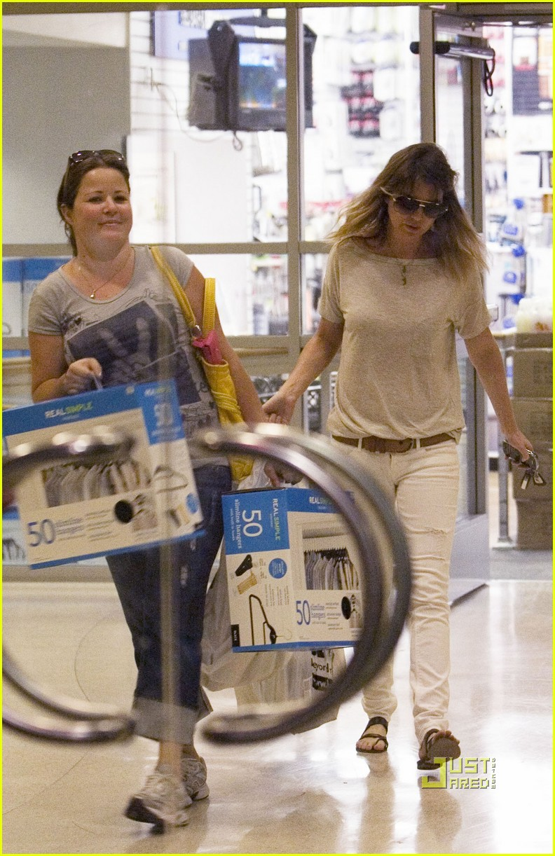 ellen pompeo bed bath beyond 032481645