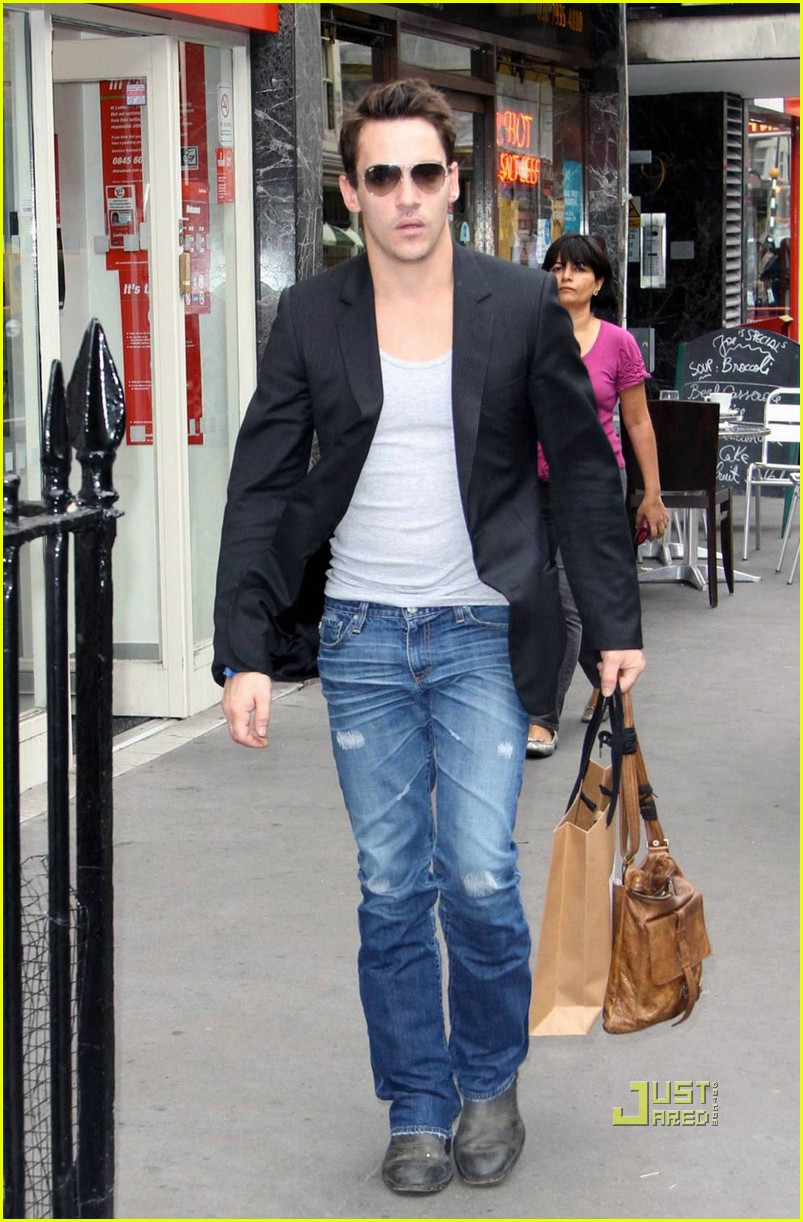 jonathan rhys meyers london shopping spree 06
