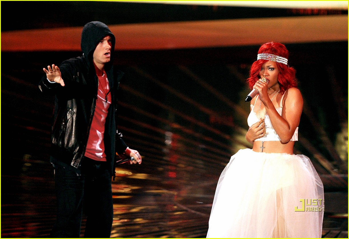 rihanna eminem vmas performance 03
