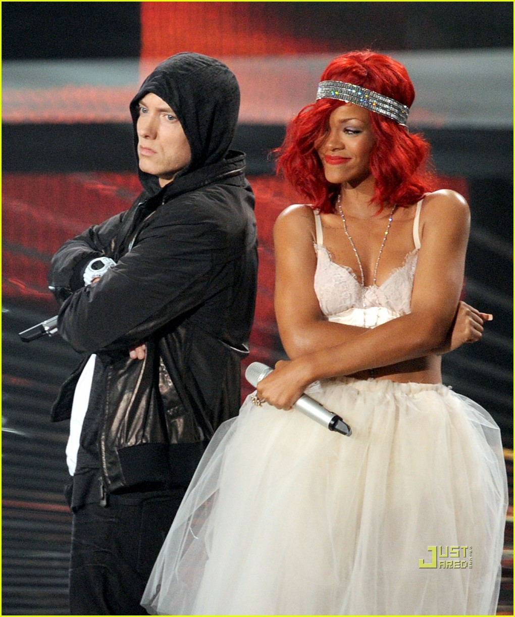 rihanna eminem vmas performance 07