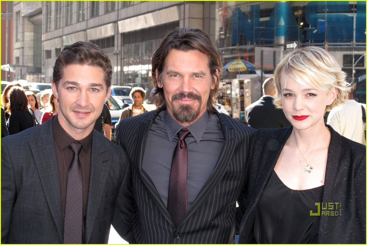 carey mulligan shia labeouf nasdaq opening bell 04