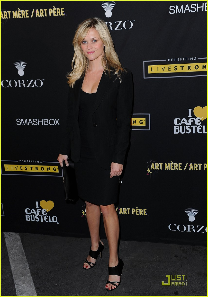 reese witherspoon livestrong foundation 13