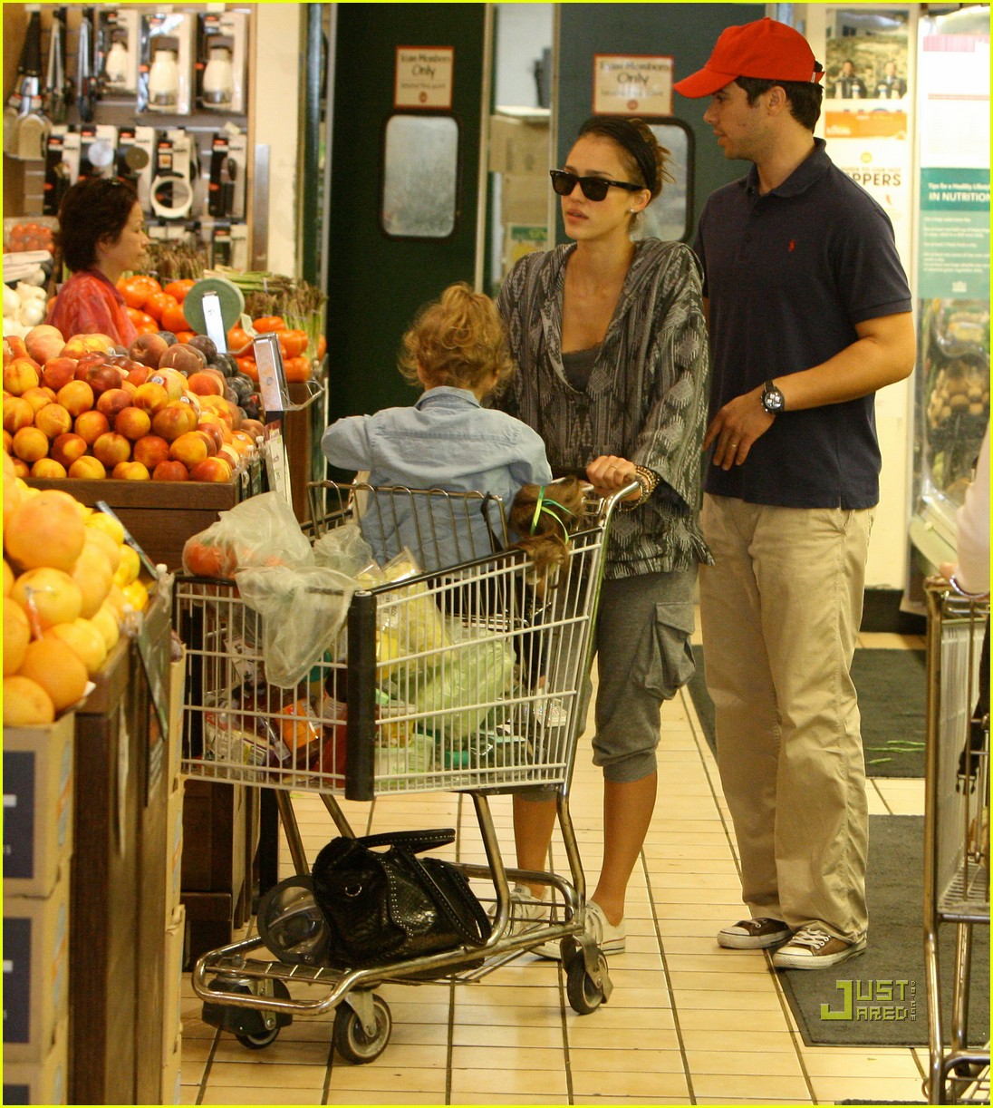 jessica alba cash warren family food shoppers 022486463