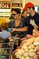 jessica alba cash warren family food shoppers 08