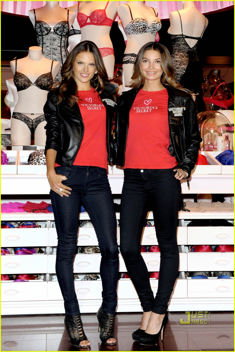 alessandra ambrosio lily aldridge victorias secret canada 06