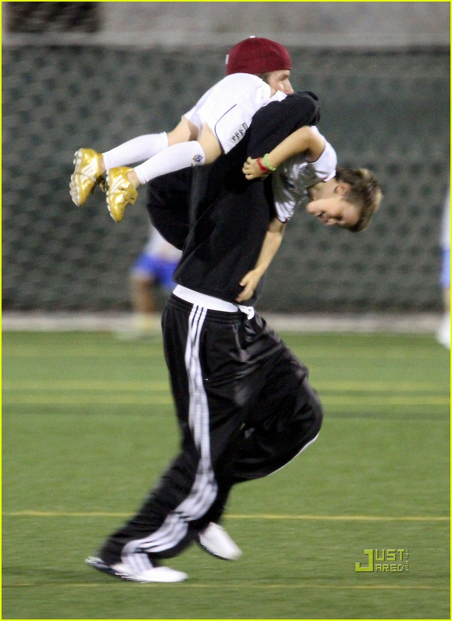 david beckham boys soccer game 052486233