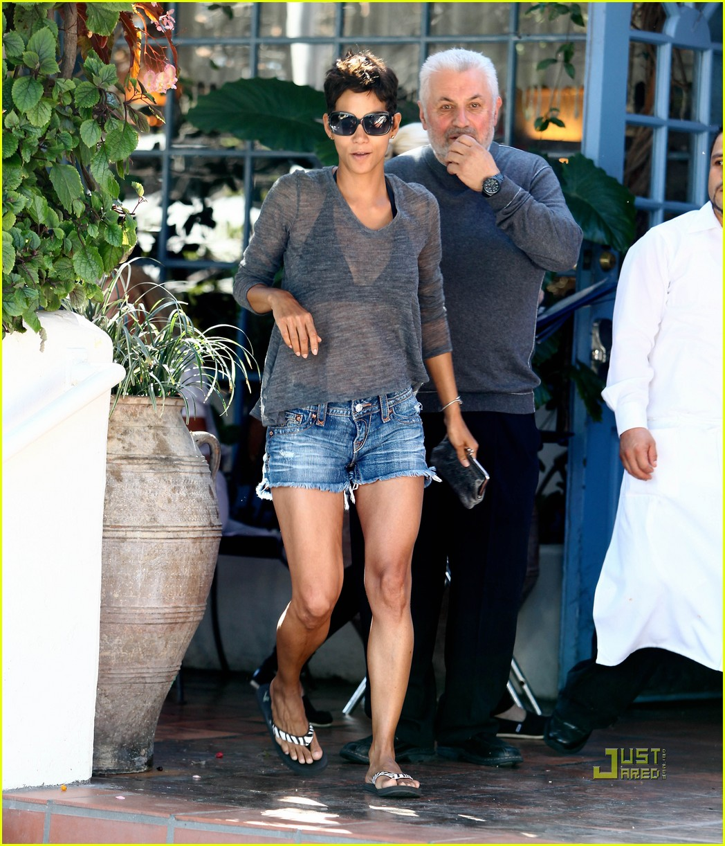 halle berry olivier martinez see through shirt 012486446