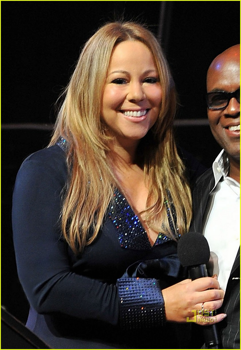 Mariah Carey Goes All Out for Christmas Album: Photo 2489160 ...