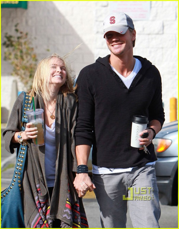 chad michael murray kenzie dalton starbucks 02