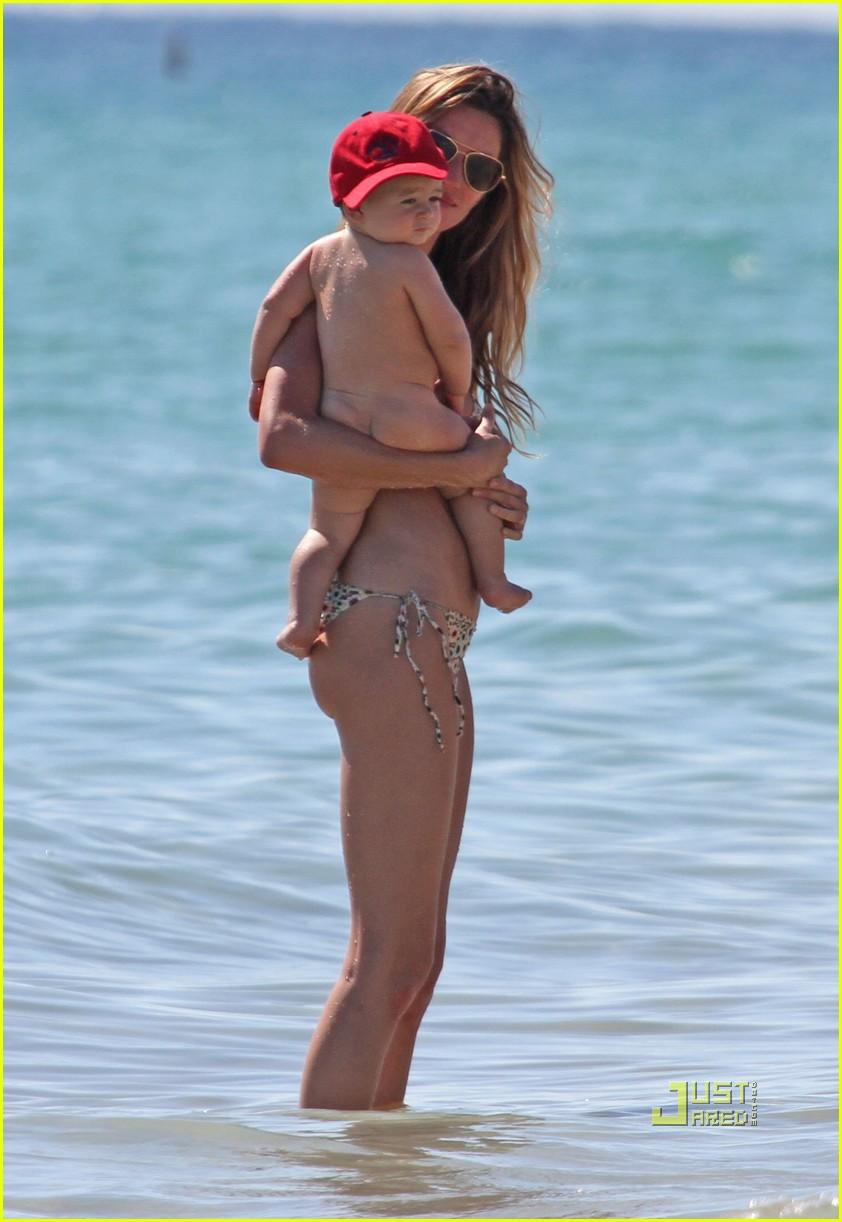 gisele bundchen bikini benjamin beach 032486701