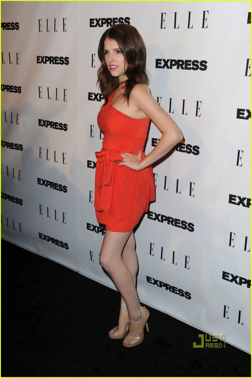 anna kendrick meghan mccain elle express 25 at 25 10