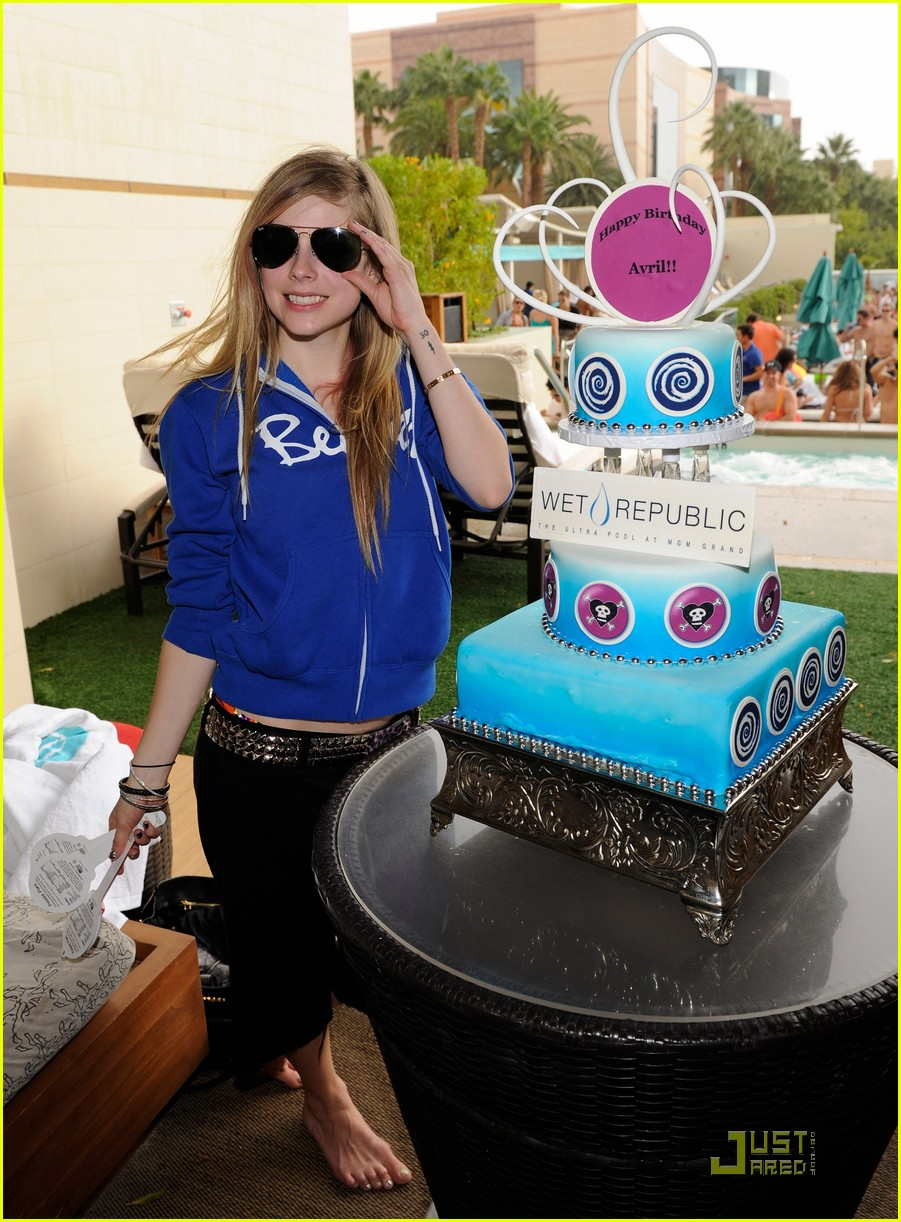 avril lavigne birthday 092484541