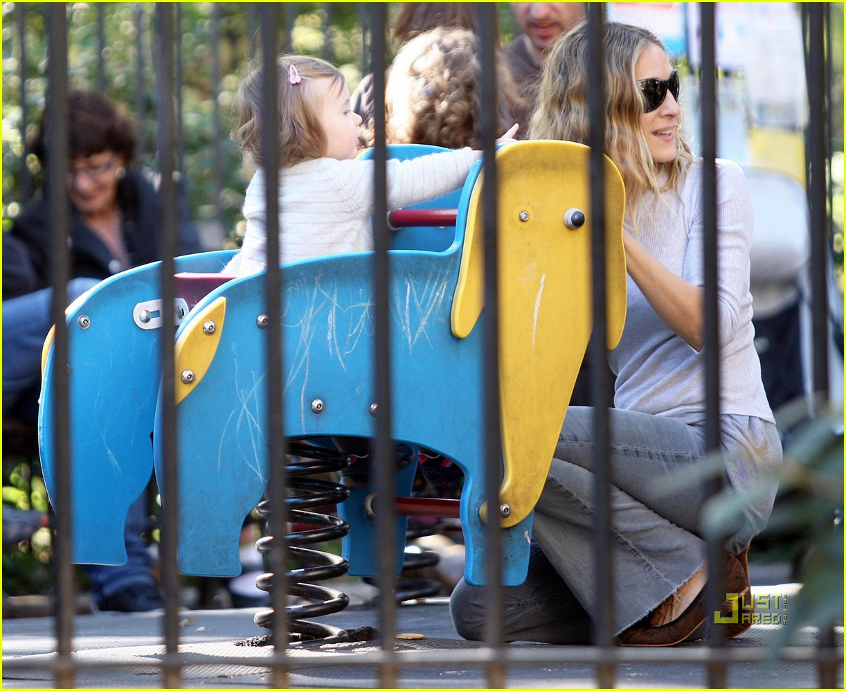 sarah jessica parker matthew broderick park playtime twins 04