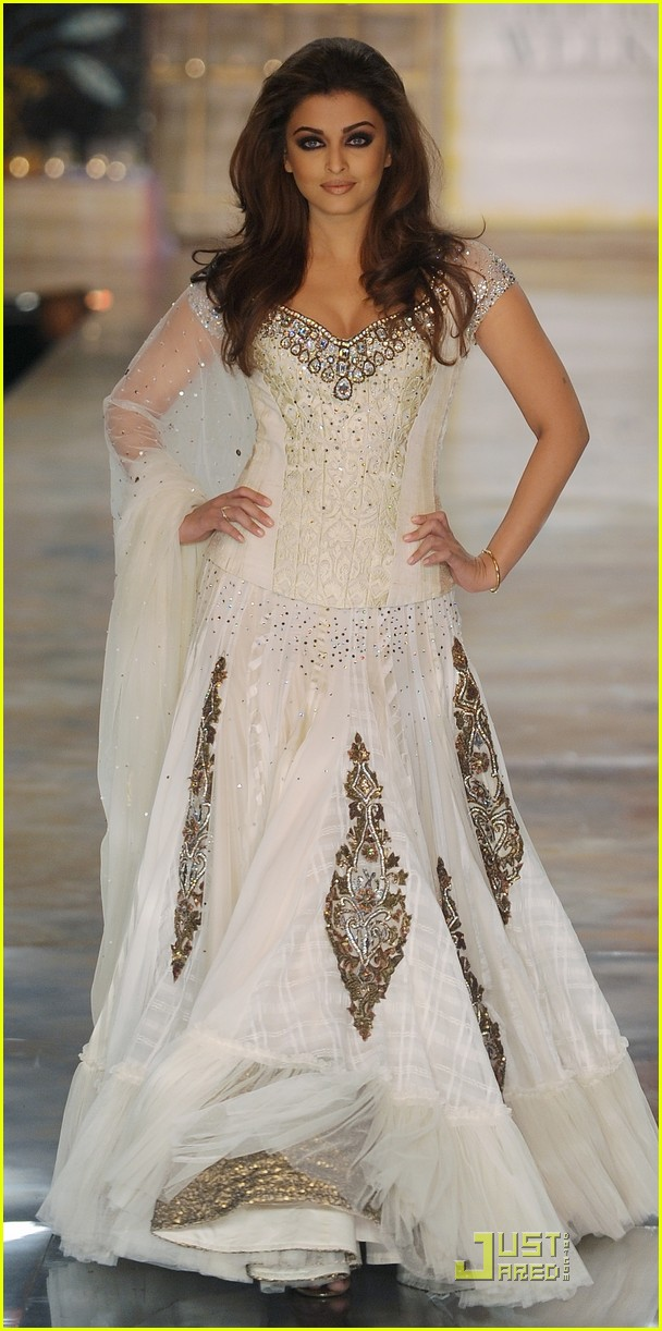 Aishwarya rai a model in mumbai photo 2485515 for White indian wedding dress