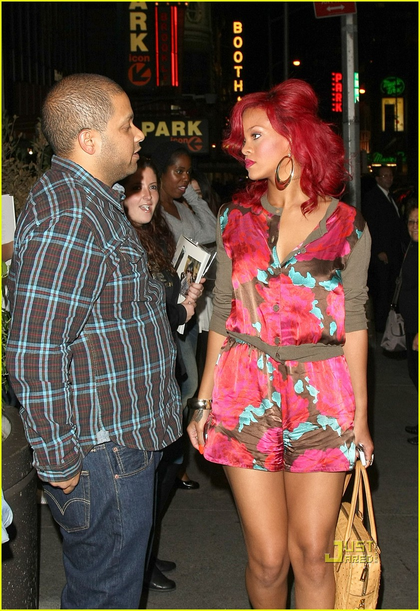 rihanna mtv studios fan friendly 092491310