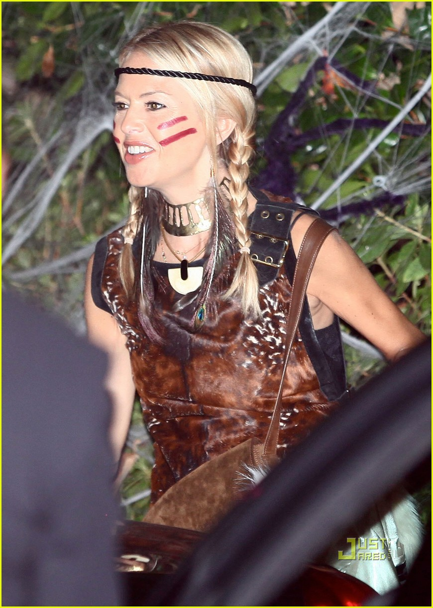 gwen stefani kate hudson halloween party 01