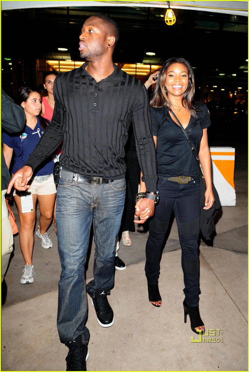 dwyane wade gabrielle union football fanatics 03