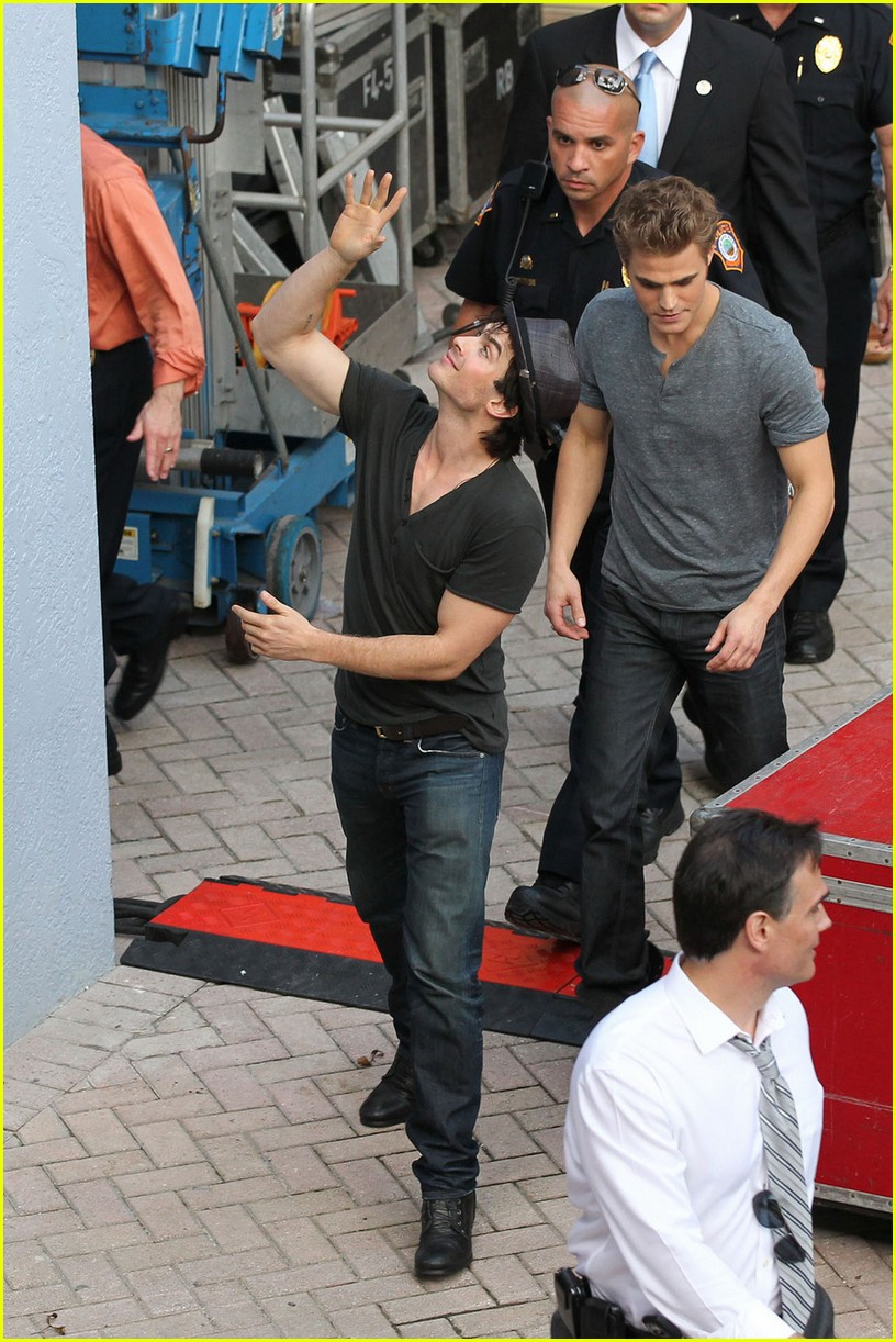 ian somerhalder paul wesley meet and greet 08