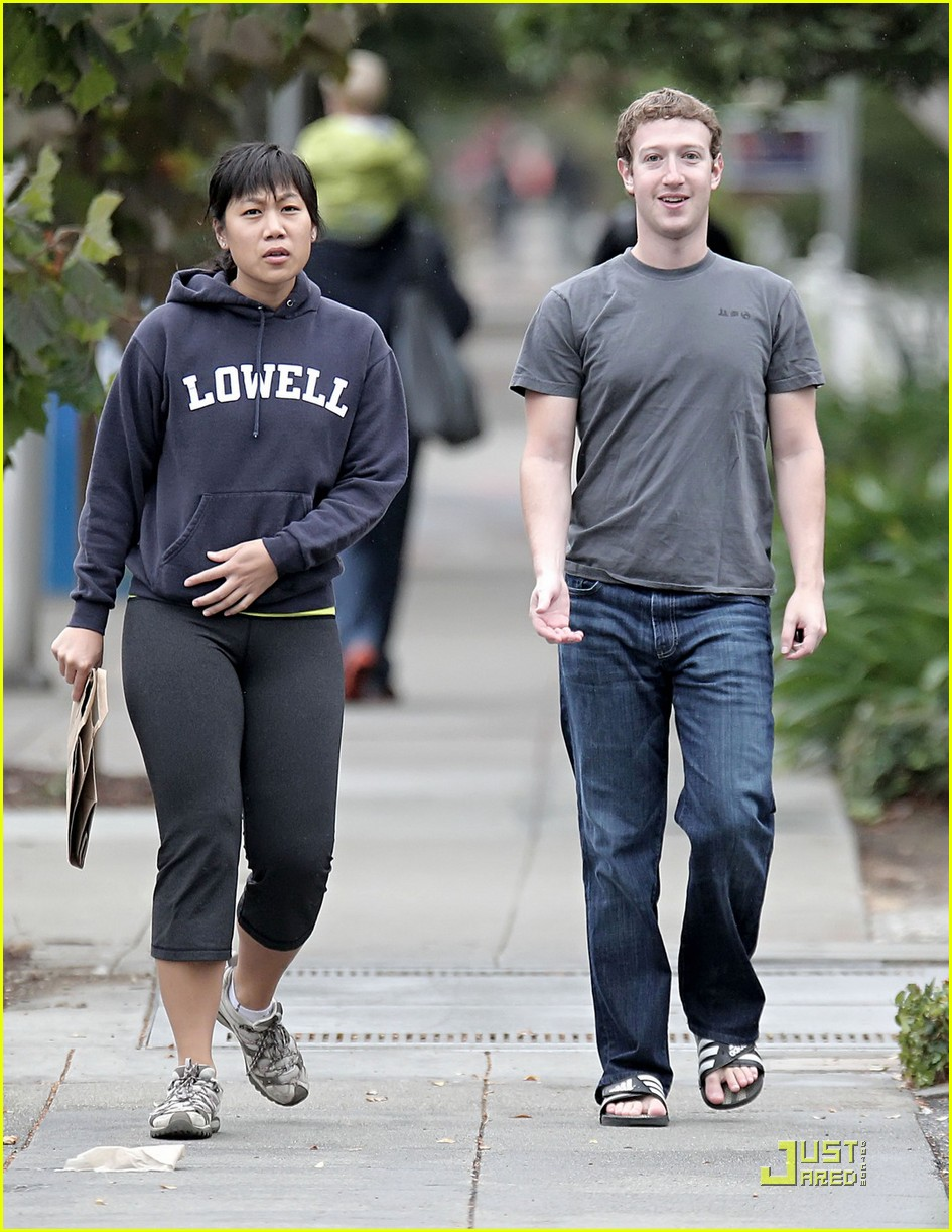 mark zuckerberg goes for a sunday stroll 03