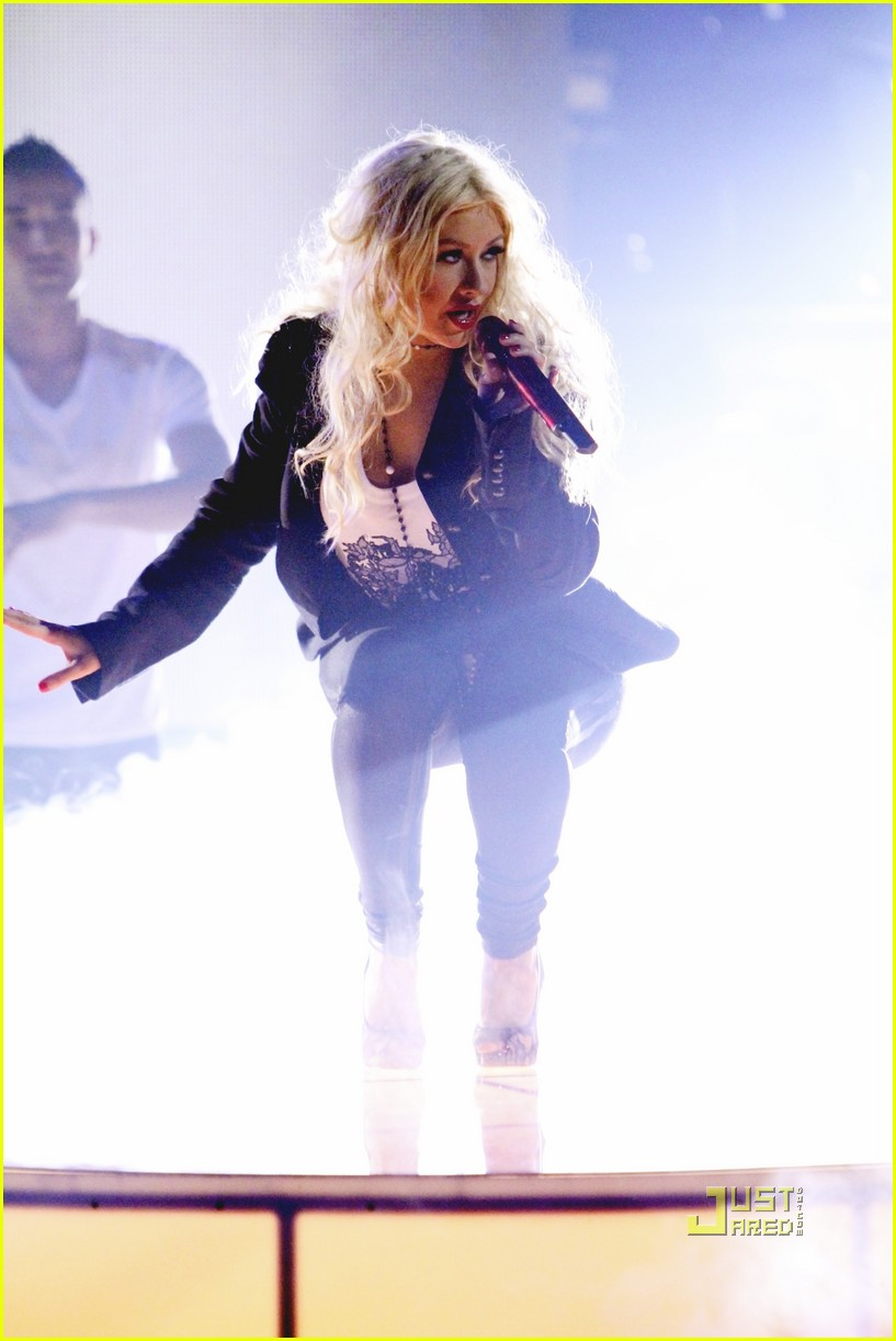 christina aguilera dancing with the stars 01