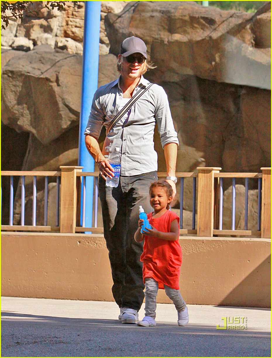 gabriel aubry takes nahla to the zoo 01